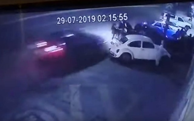 #Video Conductor embiste a familia en Aguascalientes - Captura de pantalla