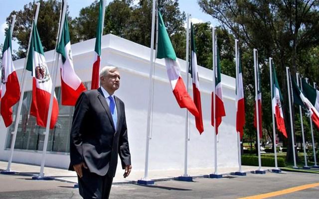 AMLO niega responsabilizar a administraciones pasadas por problemas del país - amlo banda presidencial