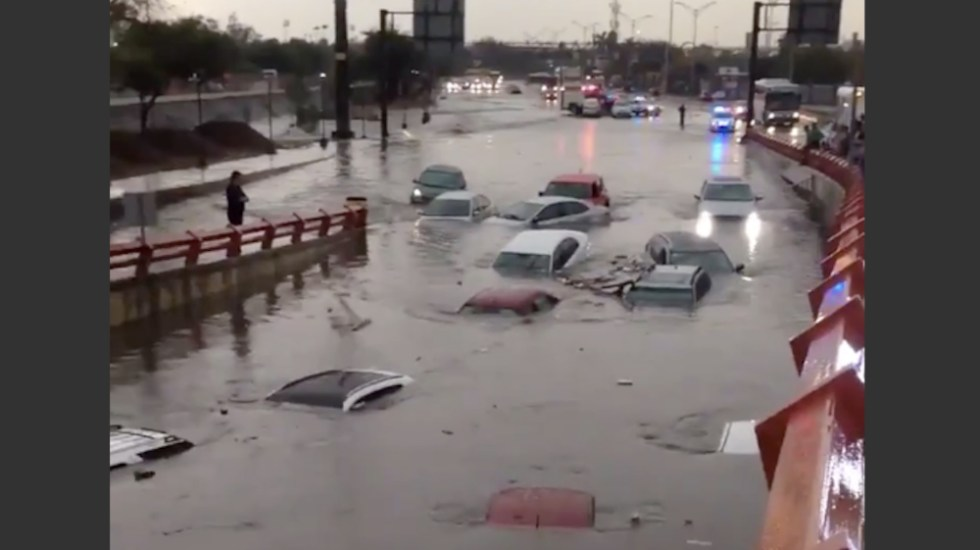 Fuerte lluvia en Monterrey deja 2 muertos - Foto de @chematierra