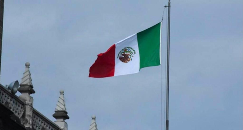 Izan bandera de cabeza en el Palacio del Ayuntamiento de la CDMX. Noticias en tiempo real