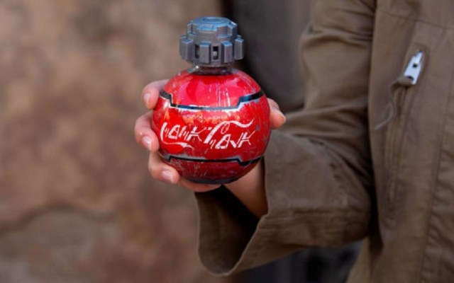 Prohíben botellas de Star Wars en vuelos de EE.UU. por seguridad - Botellas de refresco de Star Wars. Foto de Coca Cola