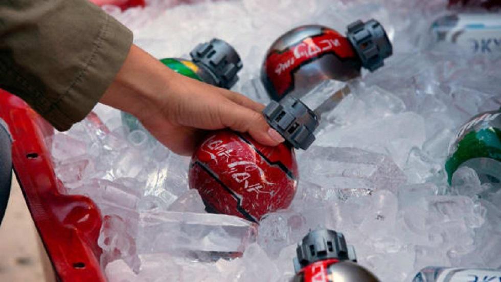 Botellas inspiradas en detonadores termales de La Guerra de las Galaxias. Foto de Coca Cola