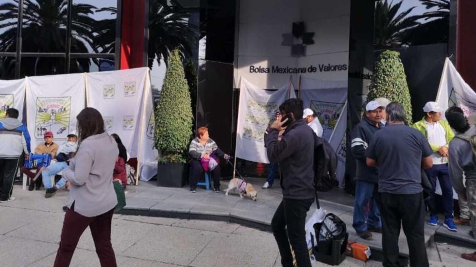 Campesinos bloquean acceso a la Bolsa Mexicana de Valores - campesinos bloqueo bolsa mexicana de valores