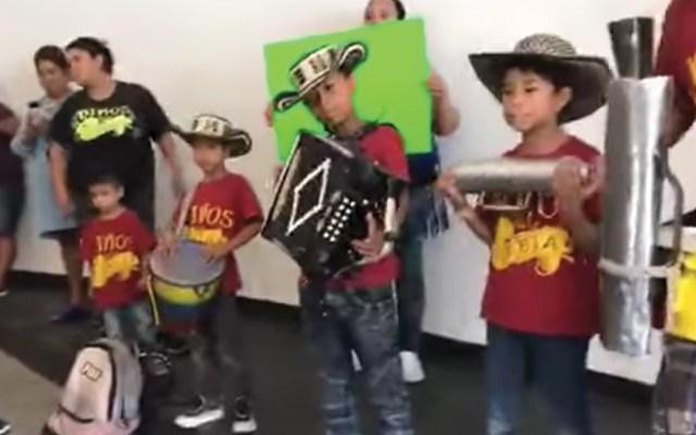 #Video Fanáticos entonan música de Celso Piña en su velorio - Captura de pantalla