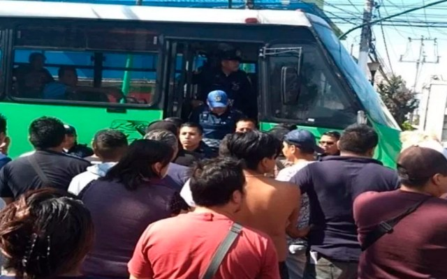 Intentan linchar a chofer tras atropellar a anciana en Iztapalapa - chofer atropello anciana iztapalapa