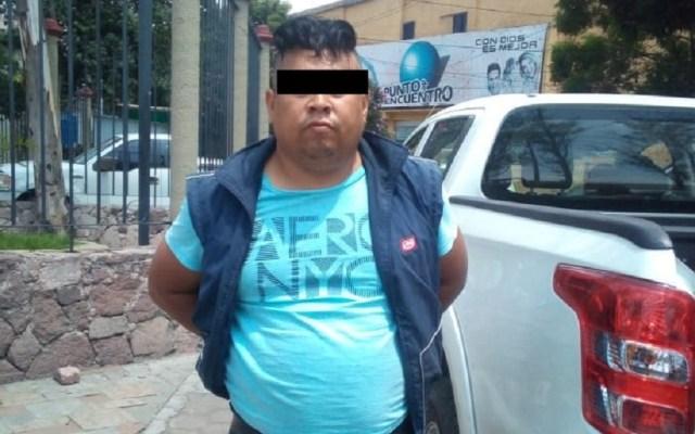 Cae chofer de transporte público por vender celulares robados en Ecatepec - Chofer de transporte público detenido. Foto de Gobierno de Ecatepec