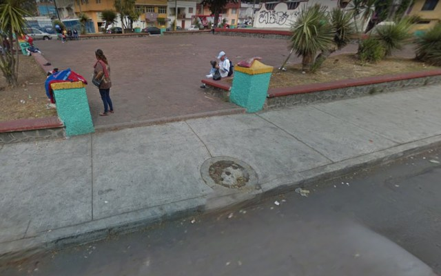 Muere trabajador tras caer a coladera que limpiaba en Iztapalapa - coladera iztapalapa