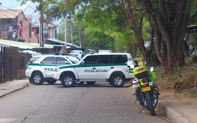 Hombre mata a su madre y vecinos lo linchan en Colombia - policía colombia