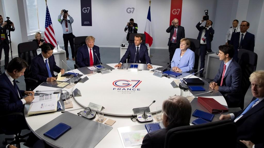 Cumbre del G-7 concluye centrada en Irán, comercio e impuestos digitales - Giuseppe Conte (Italia); Shinzo Abe (Japón); Donald Trump (EE.UU.); Emmanuel Macron (Francia); Angela Merkel (Alemania); Justin Trudeau (Canadá) y Boris Johnson (Reino Unido). Foto de EFE