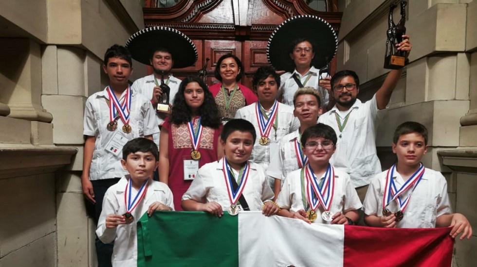Sociedad Matemática Mexicana denuncia que Conacyt quitó apoyo a la Olimpiada Mexicana de Matemáticas - Delegación mexicana que participó en concurso de matemáticas en Durbán, Sudáfrica. Foto de @ommtw