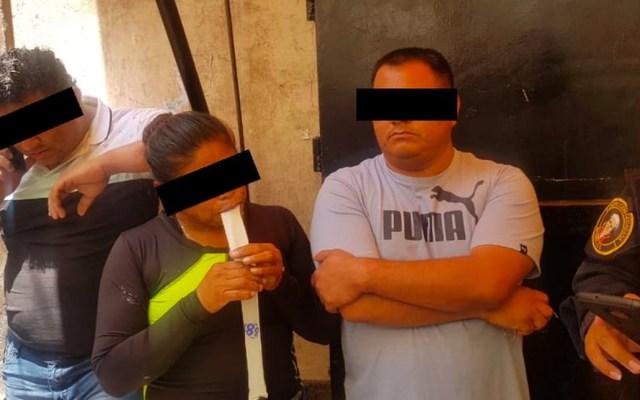 Detienen a tres personas con 395 mil pesos en la Morelos - detienen