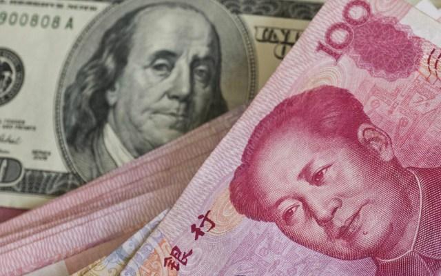 """EE.UU. califica a China como """"manipulador de divisas"""" y amenaza con represalias - Dólar Estados Unicos dólares China Yuan moneda divisas"""