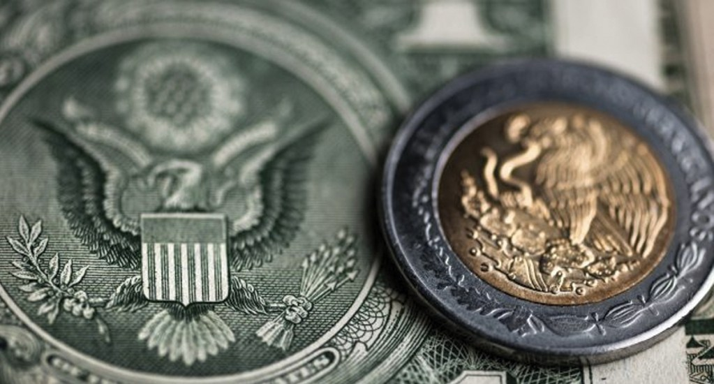 Peso mexicano sigue perdiendo terrero y roza las 21 unidades por dólar al cierre - Latinoamérica no cuenta con el apoyo de EE.UU. porque
