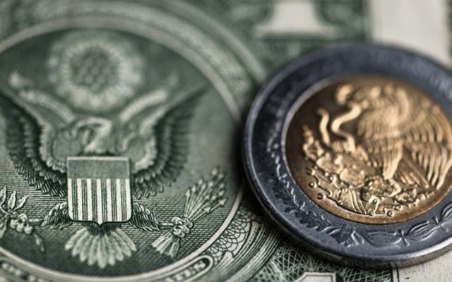 Ligera recuperación del peso; dólar pierde nueve centavos se cotiza en 19.98 - Foto de Forbes