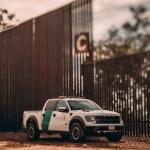 Donald Trump presume nuevas secciones del muro fronterizo