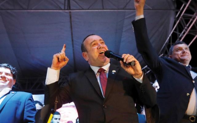 México felicita a presidente electo de Guatemala - Foto de EFE