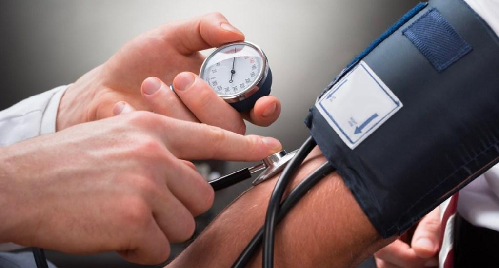 IMSS llama a hipertensos a fortalecer medidas de prevención por COVID-19 - hipertensión