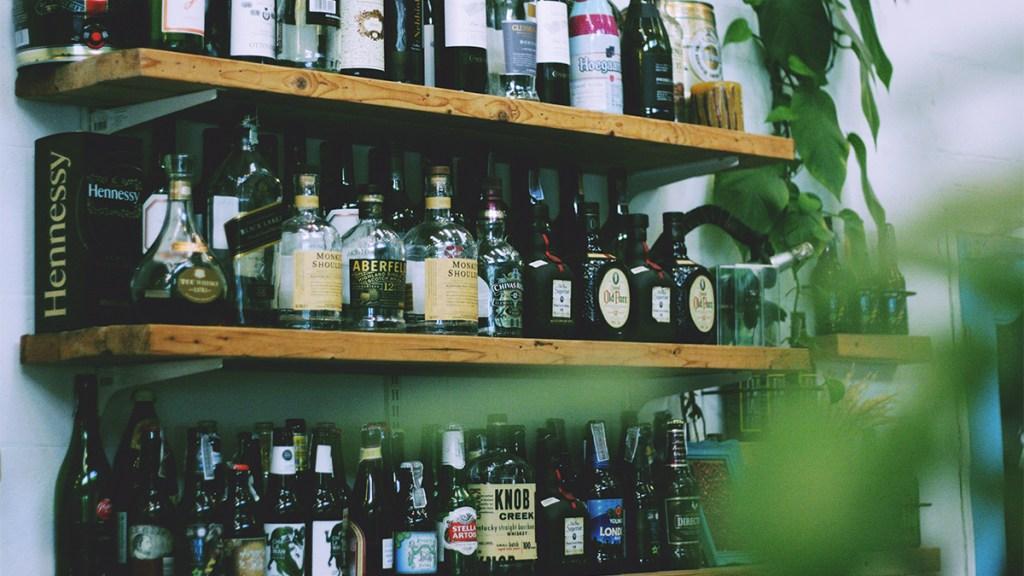 Diputados analizan aumentar IEPS a alcohol, tabaco y refrescos. Noticias en tiempo real
