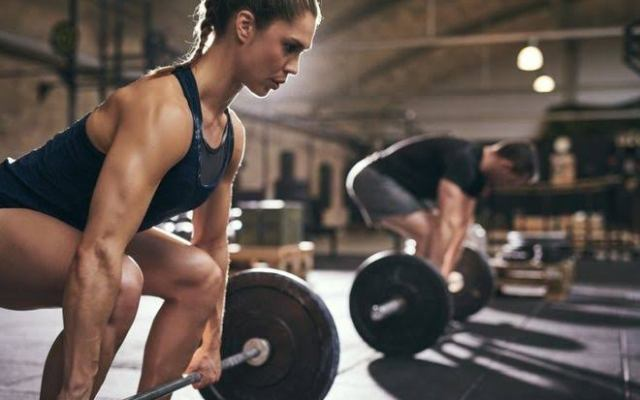 ¿Por qué las mujeres deben entrenar con fuerza? - Foto: internet.