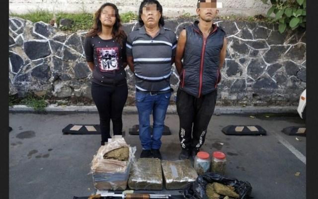 Detienen con drogas y arma a presuntos integrantes de 'Los Rodolfos' - Foto de Noticieros Televisa