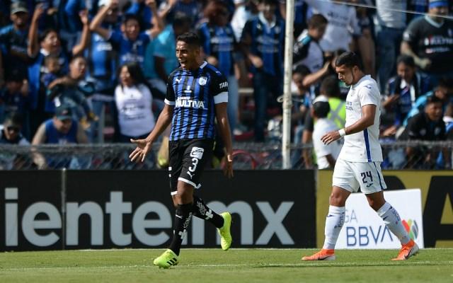 Querétaro exhibe y golea 3-0 a Cruz Azul - Foto de Mexsport