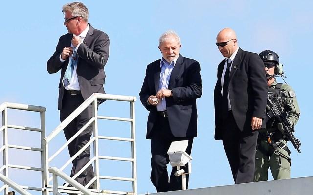 Trasladarán a Lula da Silva de cárcel de Paraná a Sao Paulo - Regreso a la cárcel de Lula da Silva tras el funeral de su nieto Arthur. Foto de EFE