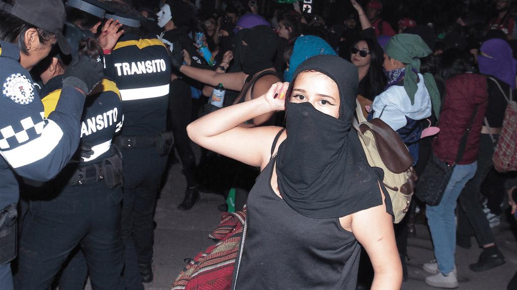 Comunicado del gobierno capitalino por violenta manifestación feminista - Foto de Notimex
