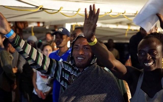 Desembarcan 83 migrantes del Open Arms en Lampedusa - migrantes open arms