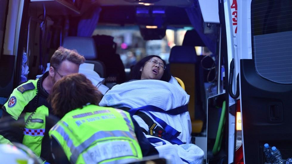 Ataque con cuchillo en centro de Sidney deja una mujer muerta - Mujer apuñalada por la espalda en Sidney. Foto de EFE