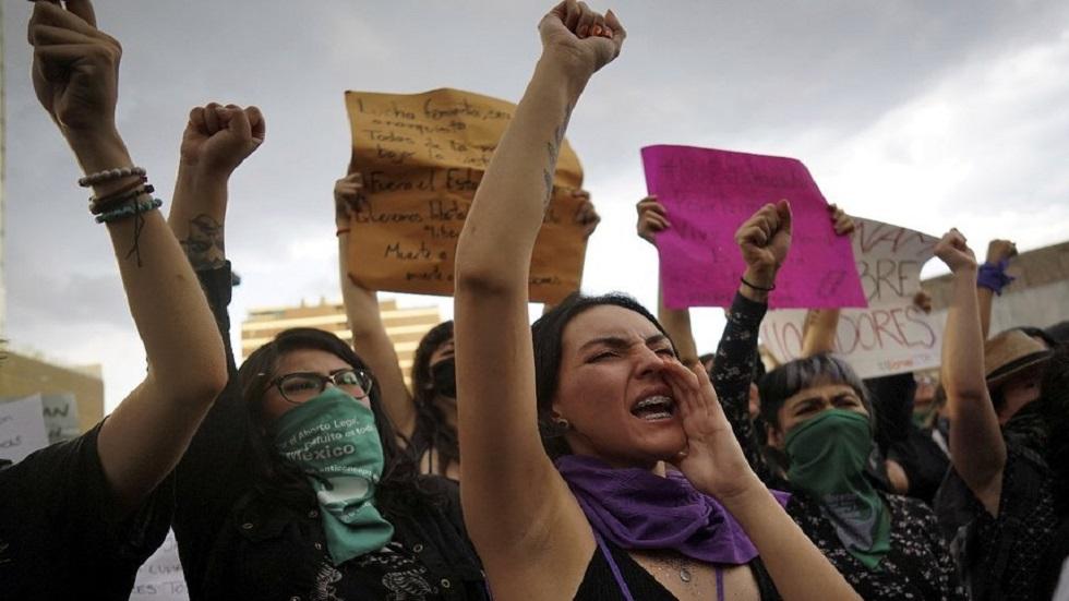 Las calles más peligrosas para las mujeres en CDMX - Mujeres en marcha feminista del 16 de agosto en CDMX. Foto de @elpaisamerica