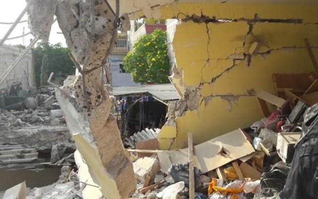 Explosión en domicilio de Nezahualcóyotl deja tres lesionados - Nezahualcóyotl explosión gas acumulado casa