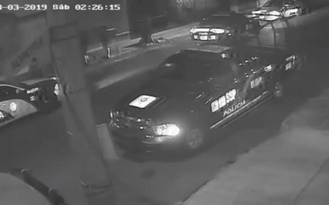 PGJ determinará veracidad de videos sobre presunta violación a joven - Patrullas y policías en calle Nopatitla de la alcaldía Azcapotzalco. Captura de pantalla / Noticieros Televisa