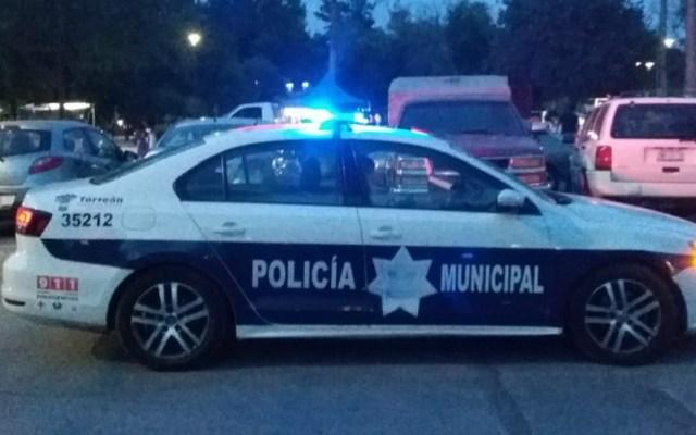 Taxista agrede con desarmador a joven en Torreón - Policía Municipal de Torreón. Foto de @DSPMTorreon