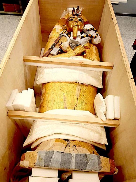 El sarcófago del faraón Tutankamón llegó al Gran Museo Egipcio en julio pasado. Foto de @luxortimes
