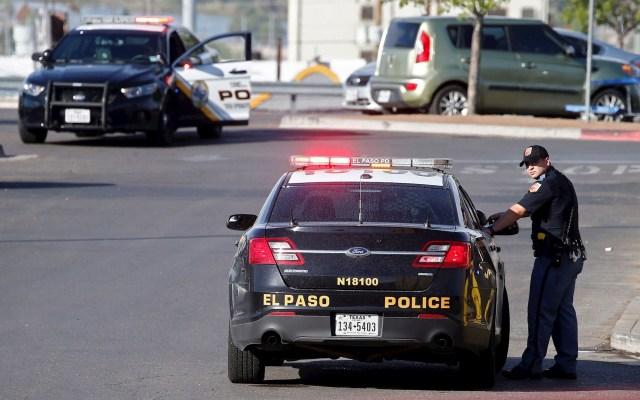 Suman 34 muertos en siete días por tiroteos en Estados Unidos - Agentes de policía trabajan en el estacionamiento mientras investigan un tiroteo masivo en un Walmart en El Paso, Texas, EE. UU., 04 de agosto de 2019. Foto de EFE / EPA / LARRY W. SMITH