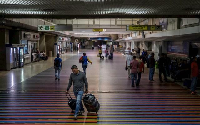 Maduro pide a venezolanos postergar viajes a EE.UU. por tiroteos - Venezuela pasajeros aeropuerto tiroteos Estados Unidos viajes