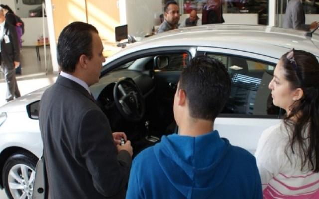 Retrocede 7.9 por ciento venta de autos nuevos en México - Venta de auto. Foto de AMDA