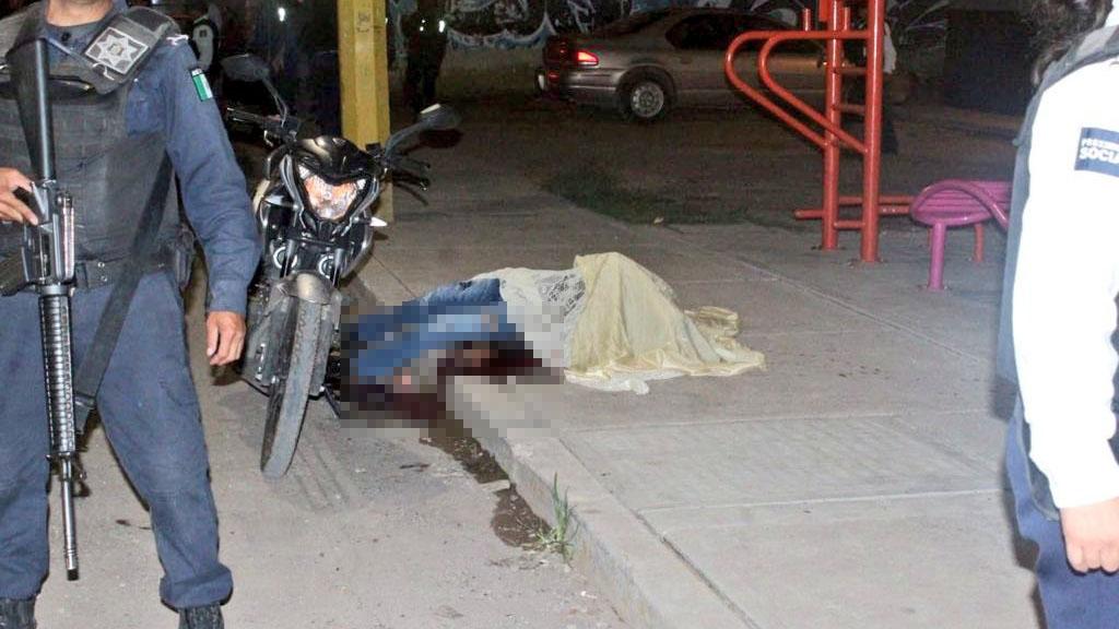 Víctima de ataque armado en billar de Irapuato. Foto de @ElPerroNegro