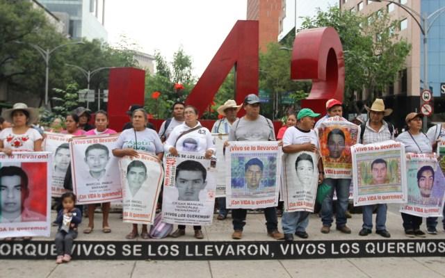 Continúan las críticas contra juez que liberó a 24 detenidos por Caso Ayotzinapa - 43 normalistas caso Ayotzinapa manifestación