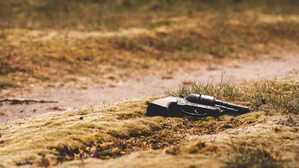 Asesinan a 15 personas en poco más de 72 horas en Nuevo León - Arma escena del crimen predio violencia Nuevo León