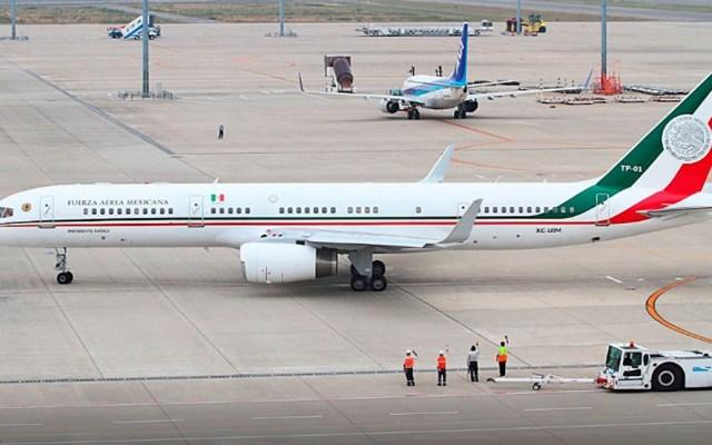 AMLO revela gasto de 7 mdp por internet durante viaje del avión presidencial - Avión presidencial de México. Foto de astrolabio