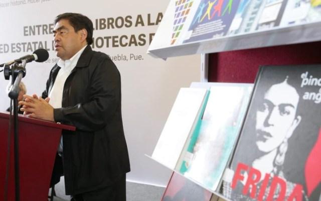Barbosa encabeza entrega de libros a bibliotecas públicas de Puebla - Miguel Barbosa