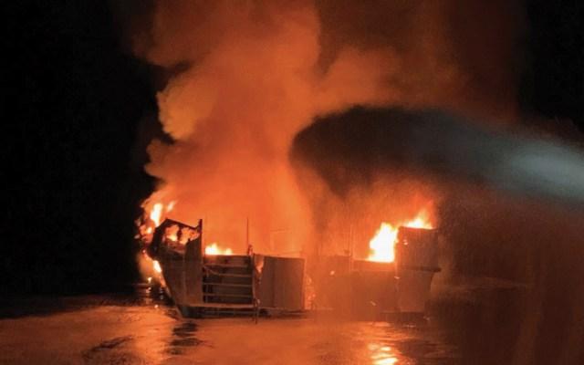 Al menos cuatro muertos por incendio de bote en California - Foto de EFE