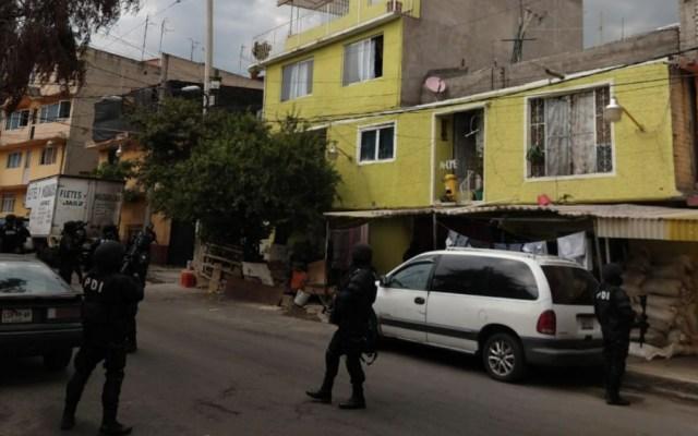 Detienen a 10 y decomisan armas y drogas en operativo en Álvaro Obregón - Foto de @vicmanolete