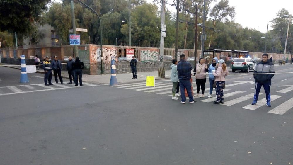 Bloquean Calzada de la Viga por falta de agua. Noticias en tiempo real