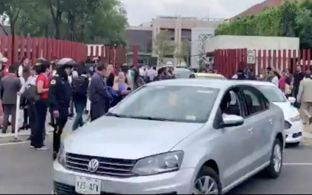 Desalojan la Cámara de Diputados ante amenaza de la CNTE de bloqueo - Cámara de Diputados desalojo negociación