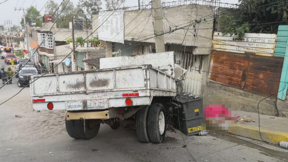 Camión sin frenos atropella a menor y mujer en Ixtapaluca - camión atropella mujer
