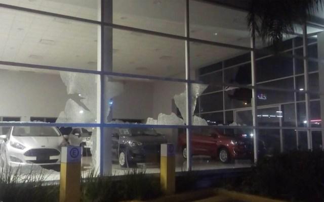 Agencia de autos en Celaya cierra operaciones tras ataque armado - Celaya agencia Ford disparos ataque