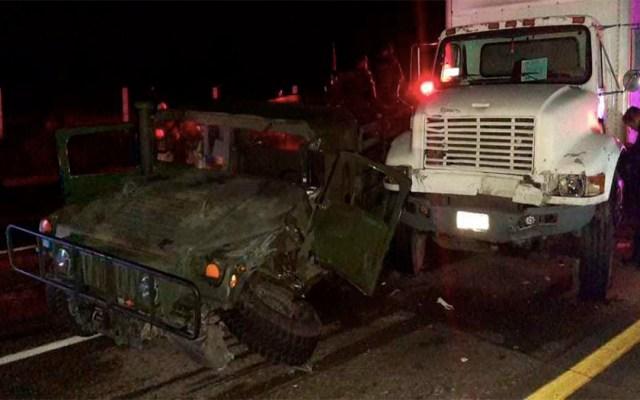 Choca camión contra vehículo de la Sedena en el Estado de México - choca camión con jeep de la sedena en tepetlaoxtoc