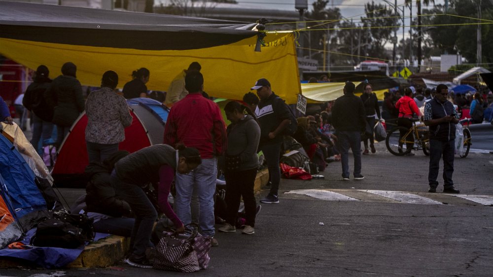 Siguen sin aprobarse leyes secundarias de Reforma Educativa; CNTE mantiene sitio en San Lázaro. Noticias en tiempo real